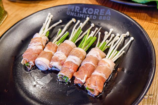 pork teriyaki enoki roll