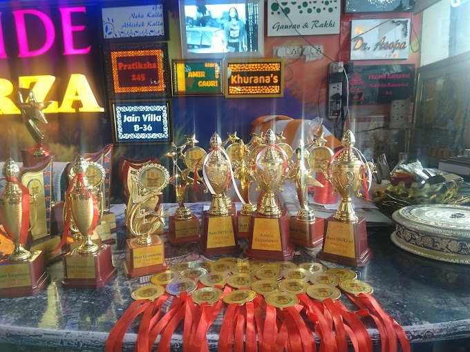 Trophies Verses Plaques: Which Is The Better Gifting Award