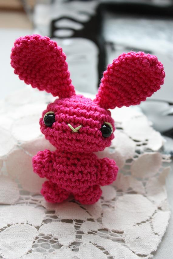 2ième Partie-Lapin crétin- Amigurumi - Pattes du lapin- Crochet ... | 855x570