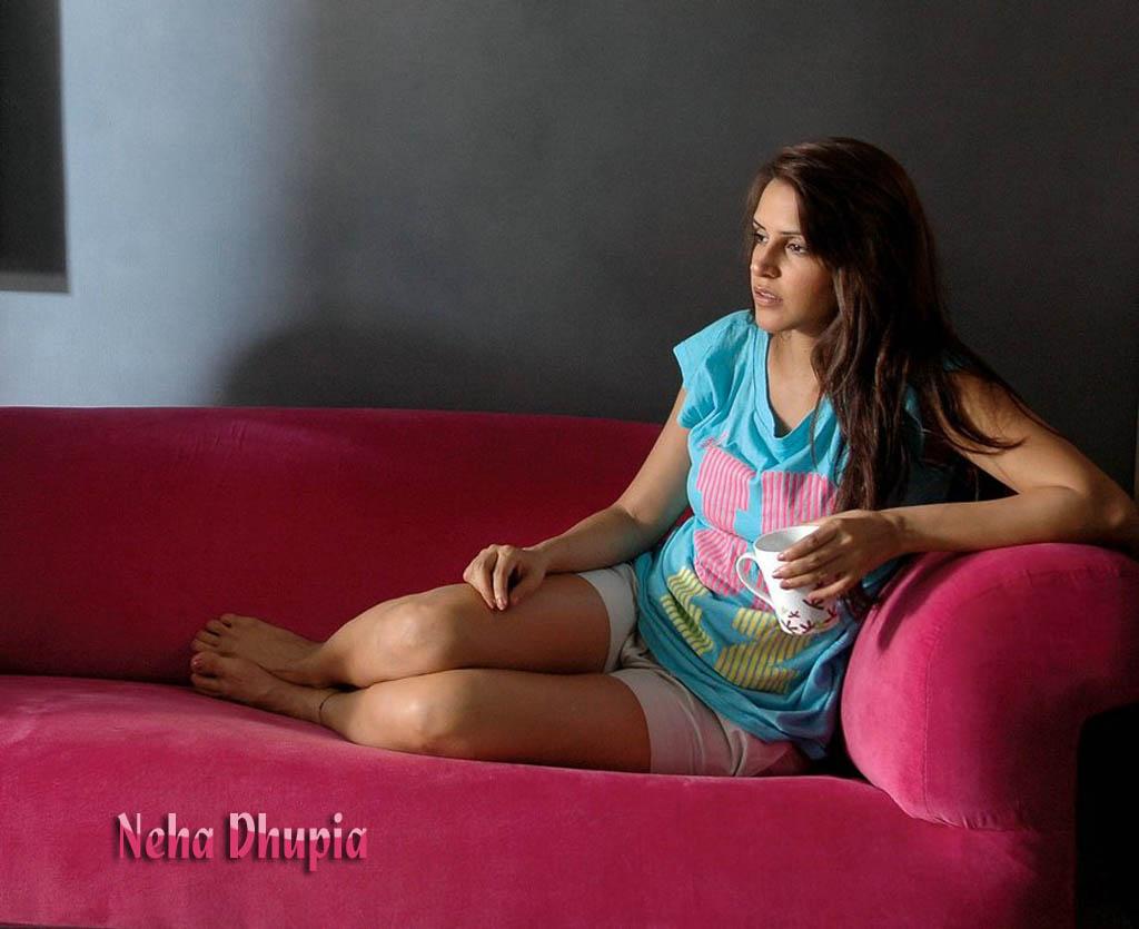 Neha Dhupia Hot Photo Gallery Rotlibamos
