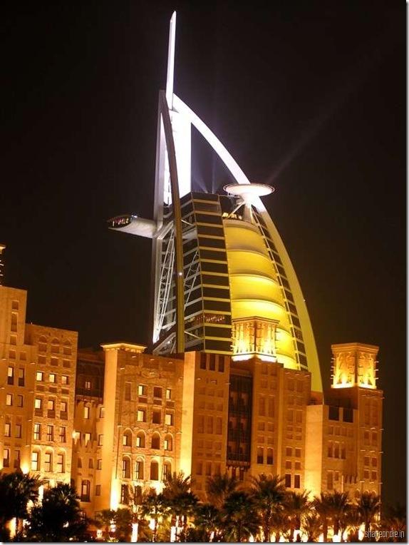 Successful Construction: Interior of Burj Dubai 7 Star Hotel