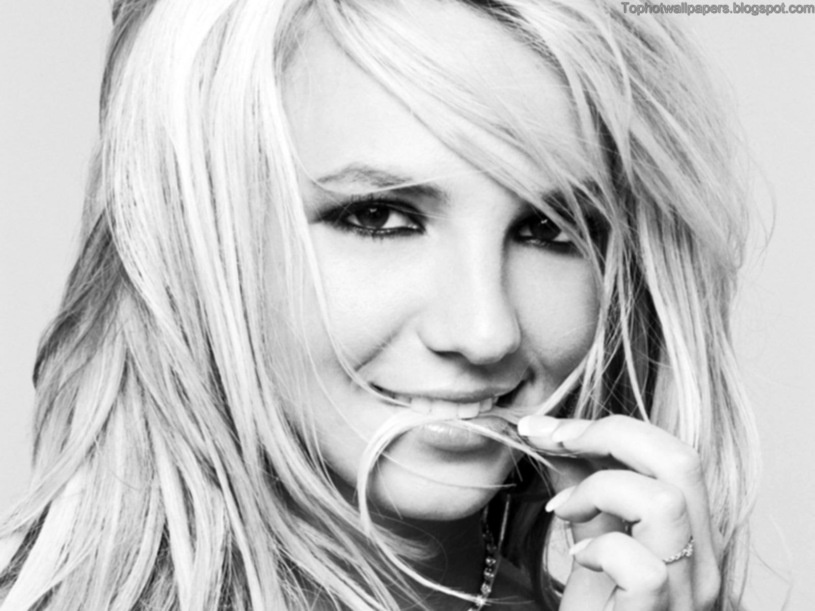 HD Wallpapers: Britney SpearsBlack and White Edition