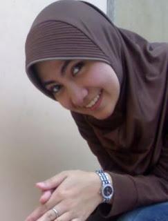 Nice and Beauty Veil Girl- Muslim Fashion