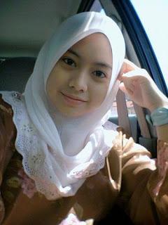 Humble Cute Veil Girl- Muslim Fashion
