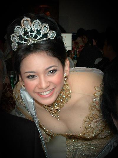 Foto Payudara hot Agni Pratistha Mantan Putri Indonesia