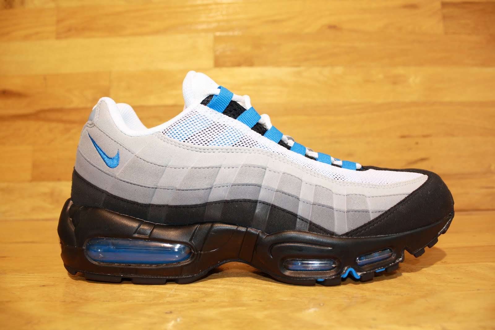 best cheap 46483 3d70b New Nike Air Max 95 Grey Blue Available In Dr Jays Stores
