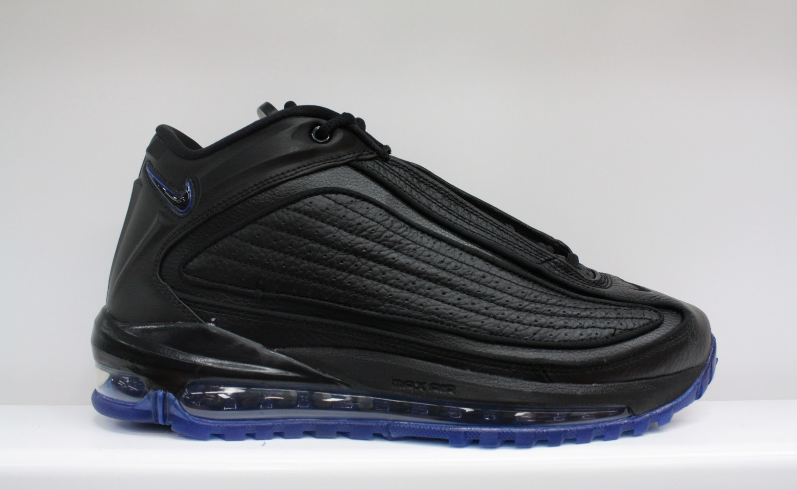 official photos 7eb81 deafc New Nike Air Griffey Max GD II Retro Available in Dr Jays Stores