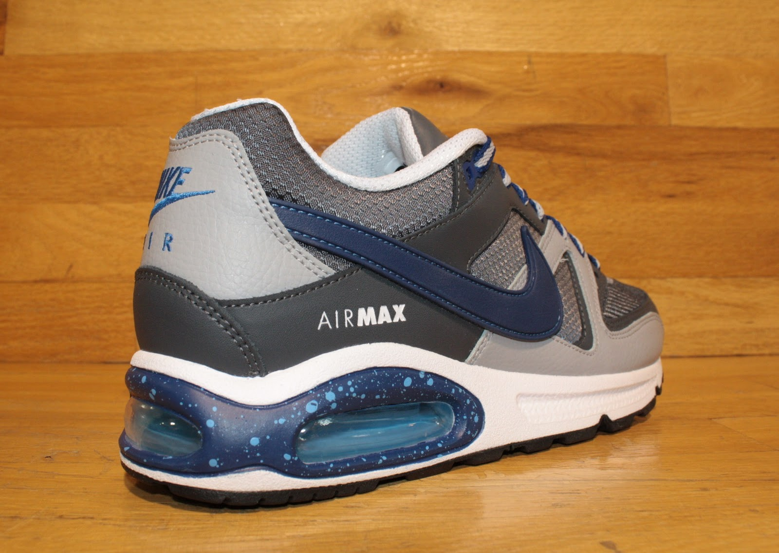 Dr. Jays Stores  New Nike Air Max Skyline New Colorway Available In ... c0079fa58