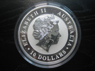 Numismatic Collection 2010 Australian 10 Oz Silver Kookaburra