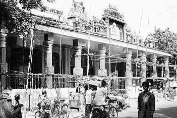 [Shirdi_+Sa_+temple_Mylapore..jpg]