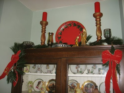 A Dickens of a Time Christmas Decorating ~ The Thrift Shop Romantic
