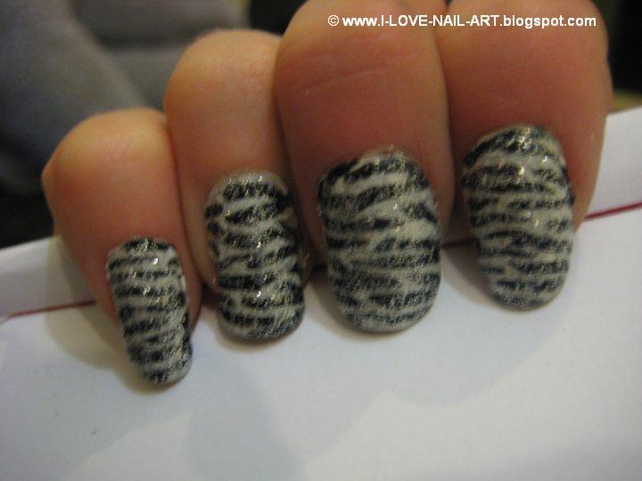 Zebra Print Nails and Toes ~ i ♥ ηαiℓ αяt