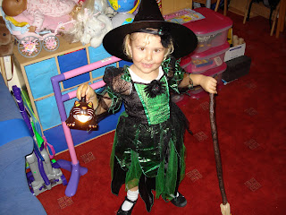 Top Ender dressed as a witch