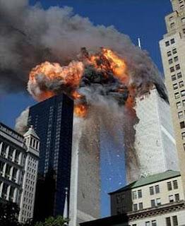 https://1.bp.blogspot.com/_-XSsE6BfJFo/TDrlQT5TJ-I/AAAAAAAAAxI/woWAYQAjJqY/s320/wtc2explosion+Hilton+Hotel+911.jpg