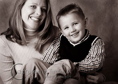 Kansas City Child Photos boy with mom with a big smile