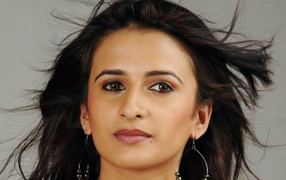 Malayalam Actress Arya Image: Indian Cinema Gallery: South Actress Arya Menon Exclusive