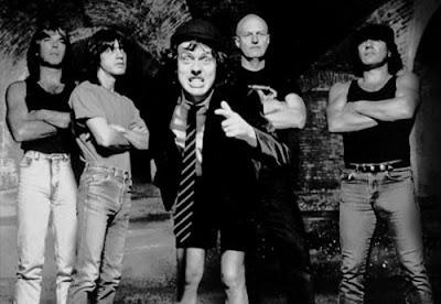 AC/DC - História Ad_biografia