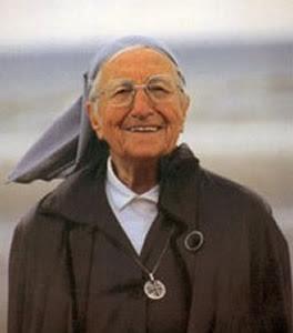 74af4dabb عن عمر يناهز المائة عام هلكت منذ أيام أشهر راهبة ومنصره في العالم الراهبة  ايمانويل وهي اسمها الحقيقي مادلين سانكان من مواليد 16 نوفمبر 1908 في بروكسل  بلجيكا