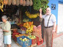 Gerrit entre las Frutas