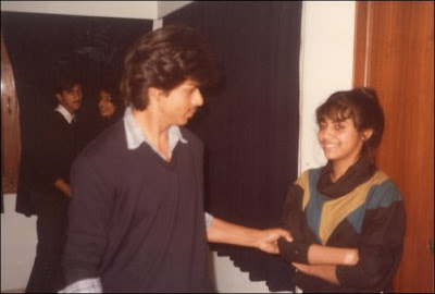 shahrukh khan with gauri during college days - 7
