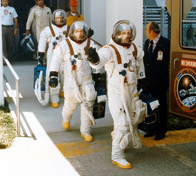 The 10 Coolest Space Suit Designs