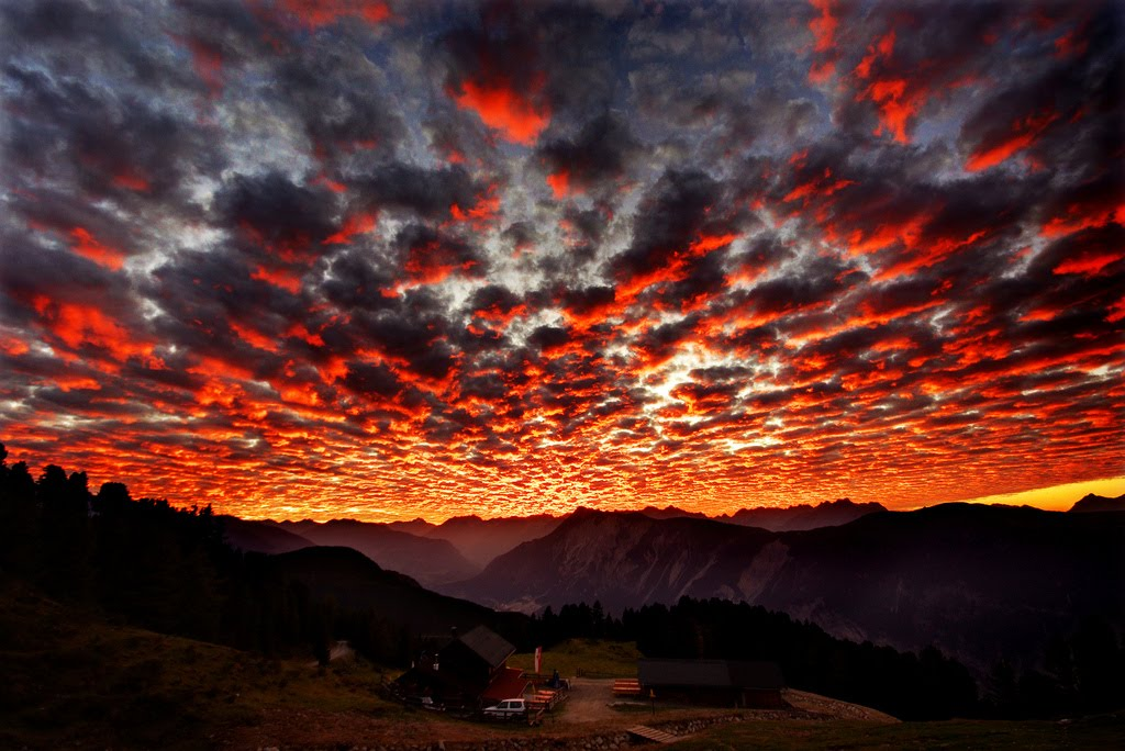 Terra Incognita: The Psychedelic Sunset Small Pix Gallery