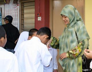 Ilmu Sosial Dasar (Softskill): Budaya Indonesia yang masih ...