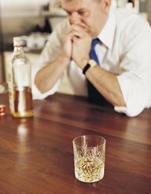 Sintomas de alcoolismo em mulheres de uma foto