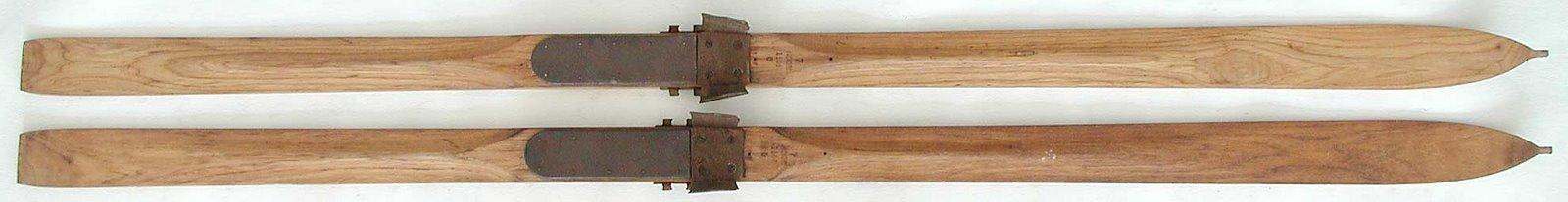 [skis_1927_+(www.vintageskiwolrd.com).jpg]
