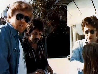 Resultado de imagem para JOHN LENNON AND PAUL MCCARTNEY - 1974