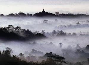 Borobudur Ning Awang-Awang