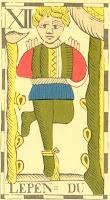 Ce LEPEN du tarot flamand est réjouissant, sachant que DU signifie noir en breton, et que le Pendu du tarot pourrait être identifié à Odin, devenu borgne pendant son initiation.