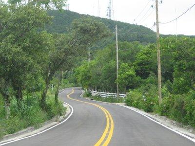 Estrada da Borússia recentemente asfaltada