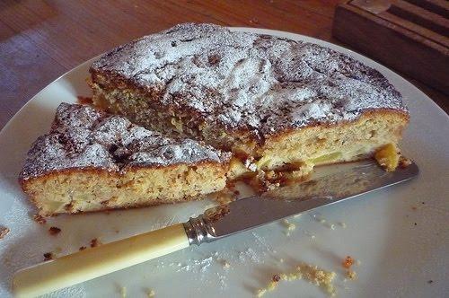 Hazelnut Cake Recipes Uk: TREE CAKES: Apple And Hazelnut Cake