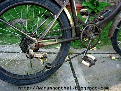 Warung Onthel: Sepeda Lipat Kuno