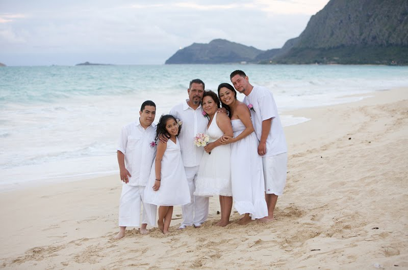 Beach Wedding Ceremony Oahu: AinaKai Photography: Hawaii Wedding & Lifestyle