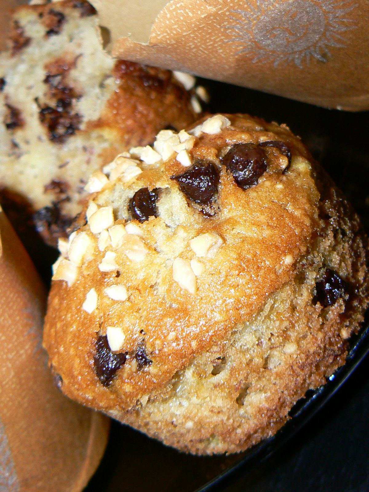 [Chocolate+Chips+&+Almond+Muffin-2.jpg]