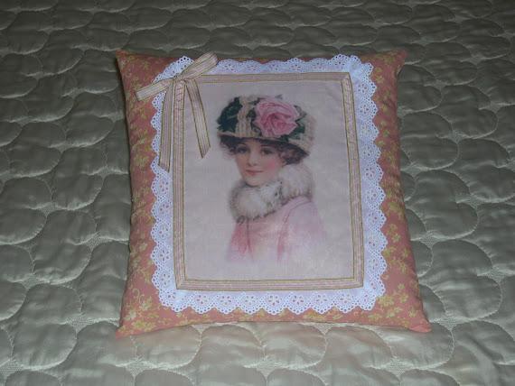 Cuscino stile vittoriano con immagine di dama