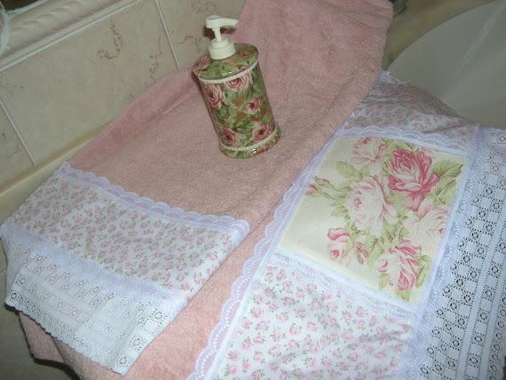 Coppia asciugamani rosa stile inglese vittoriano