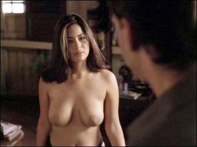 Paige Jimenez seins nus Les stars nues en photos et