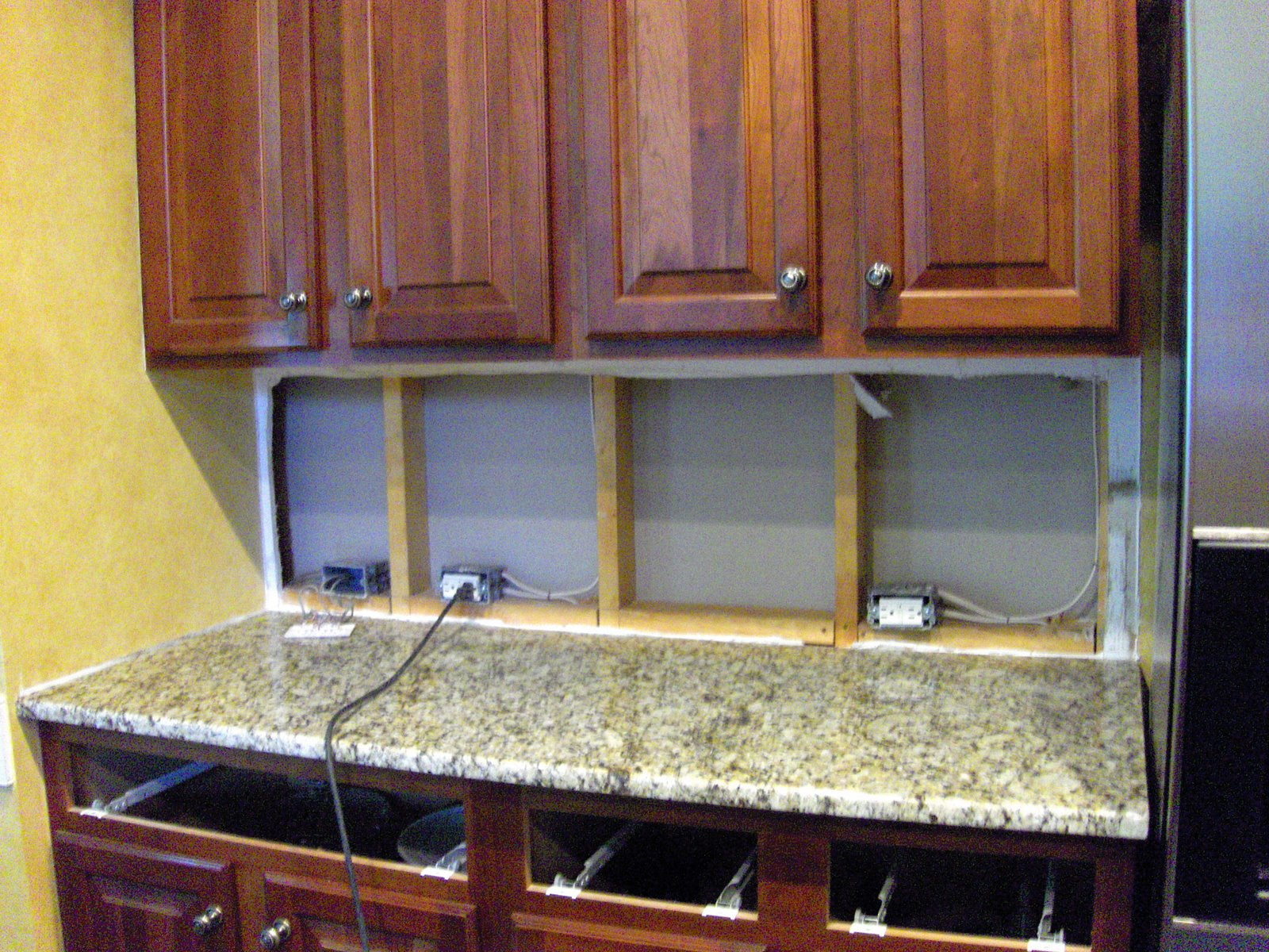Kitchen Counter Lighting Faucet Pull Out Sprayer Under Casual Cottage