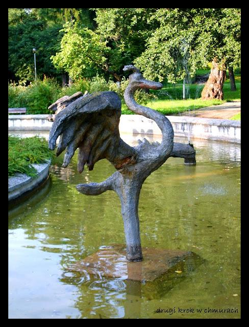 Olsztyńska fontanna z kormoranem