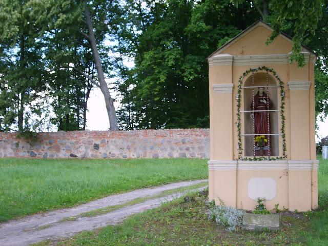 Kapliczki warmińskie: okolice Stoczka Klasztornego i Dobre Miasto