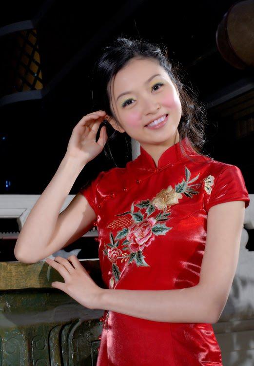 ef1929348 http://www.chinese-cheongsam -dress.com/wp-content/uploads/2010/09/What-is-a-modern-improved-cheongsam.jpg  ...