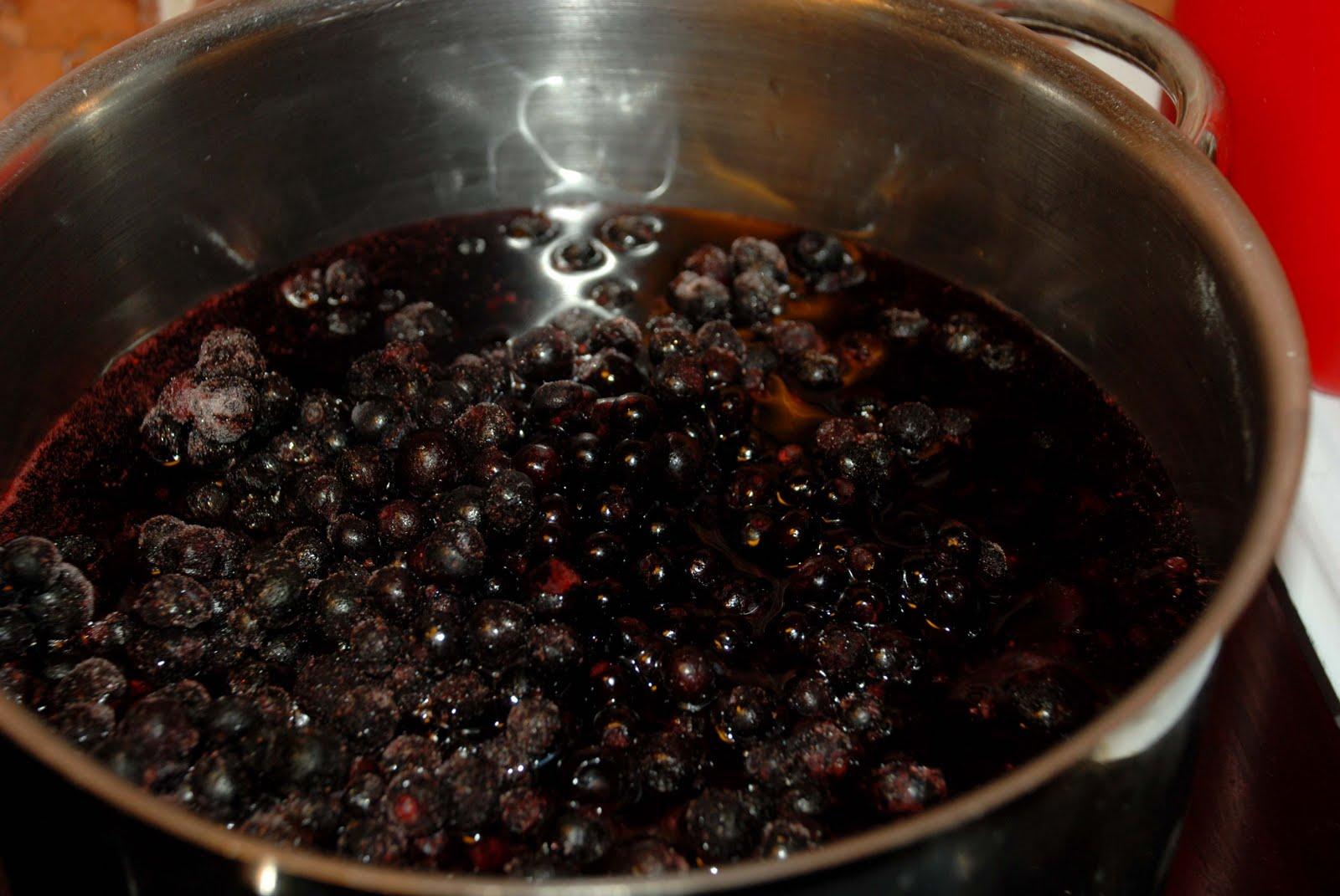 smaskelismaskens: pannacotta med blåbärsgelé