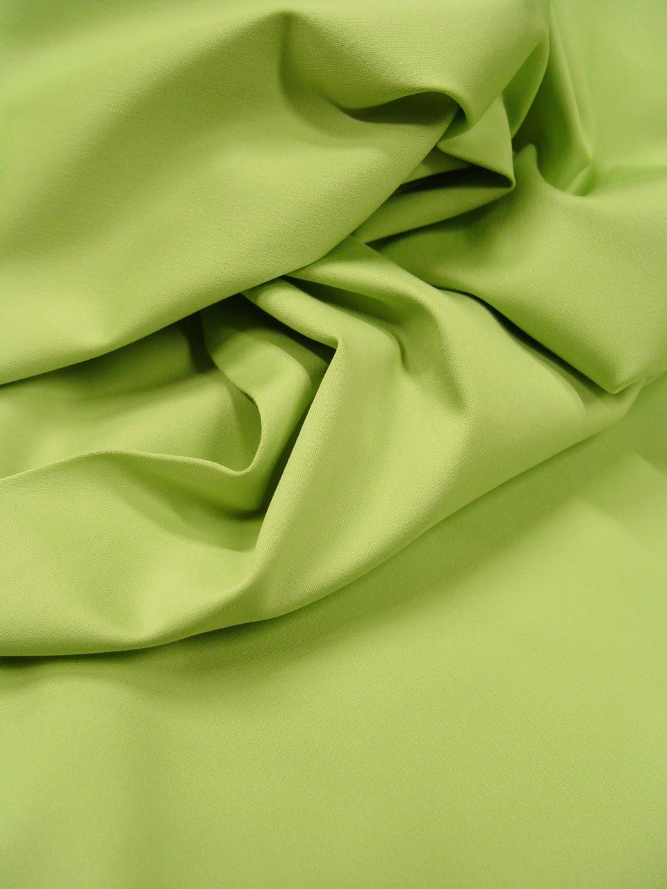 les nouveaut s au jour le jour chez stragier satin de coton extensible vert pomme. Black Bedroom Furniture Sets. Home Design Ideas
