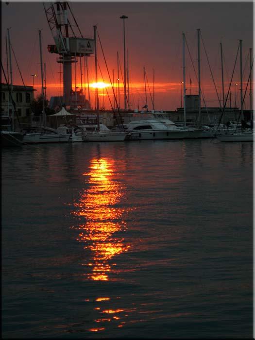 tramonto, porto di Livorno