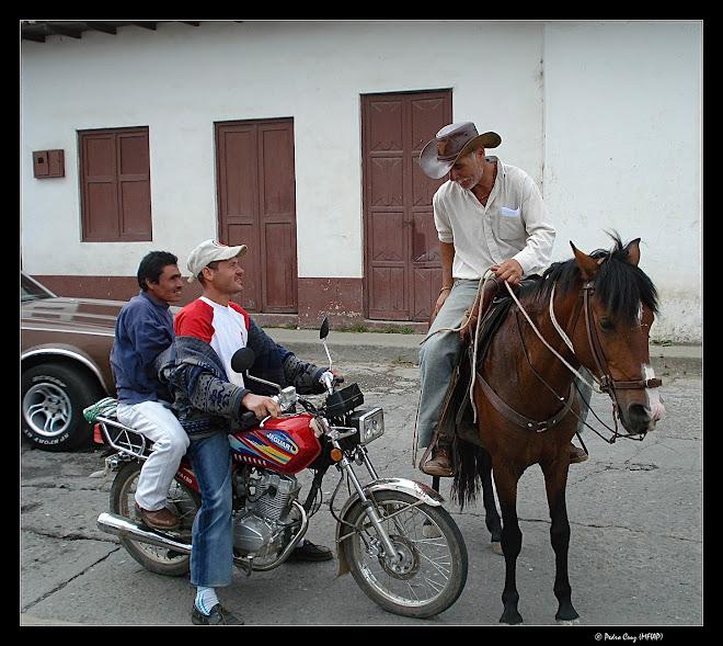 caballo & motocicleta