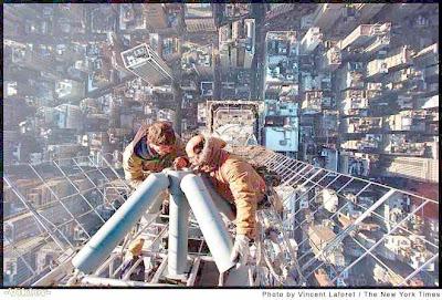 https://i2.wp.com/1.bp.blogspot.com/_1-GArNAe4ao/ScjfqNj6JOI/AAAAAAAABC4/ox6Y3aFB18I/s400/foto+follie+lavoro+rischioso2.jpg