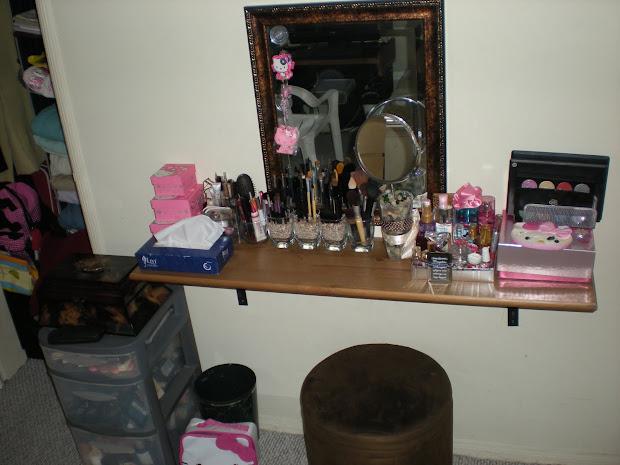 Adorabubbl3 Vanity Make- Table Diy